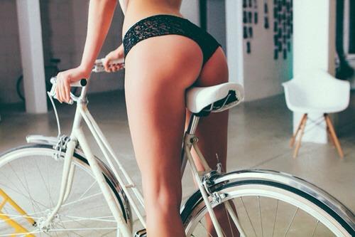 【着尻エロ画像】サドルになりたいなら顔か手か…美味しそうな自転車ライド尻www 06