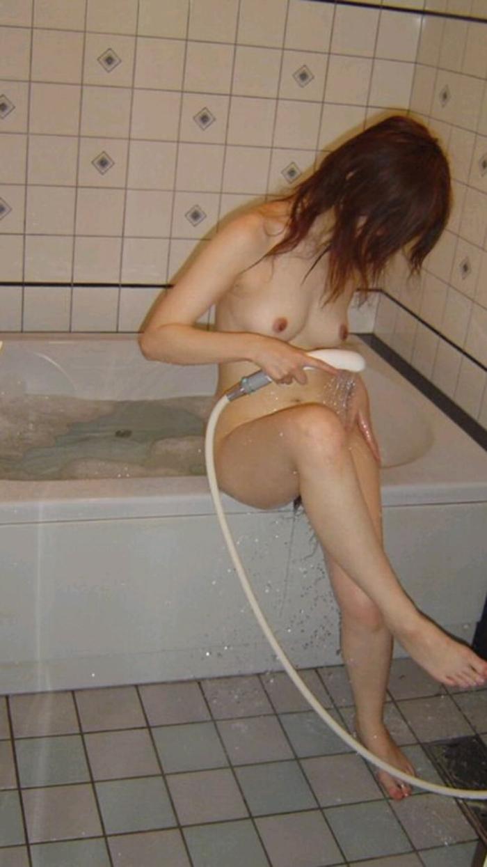 【入浴エロ画像】イタズラしたくなる洗体姿w入浴中の全裸女子www 14