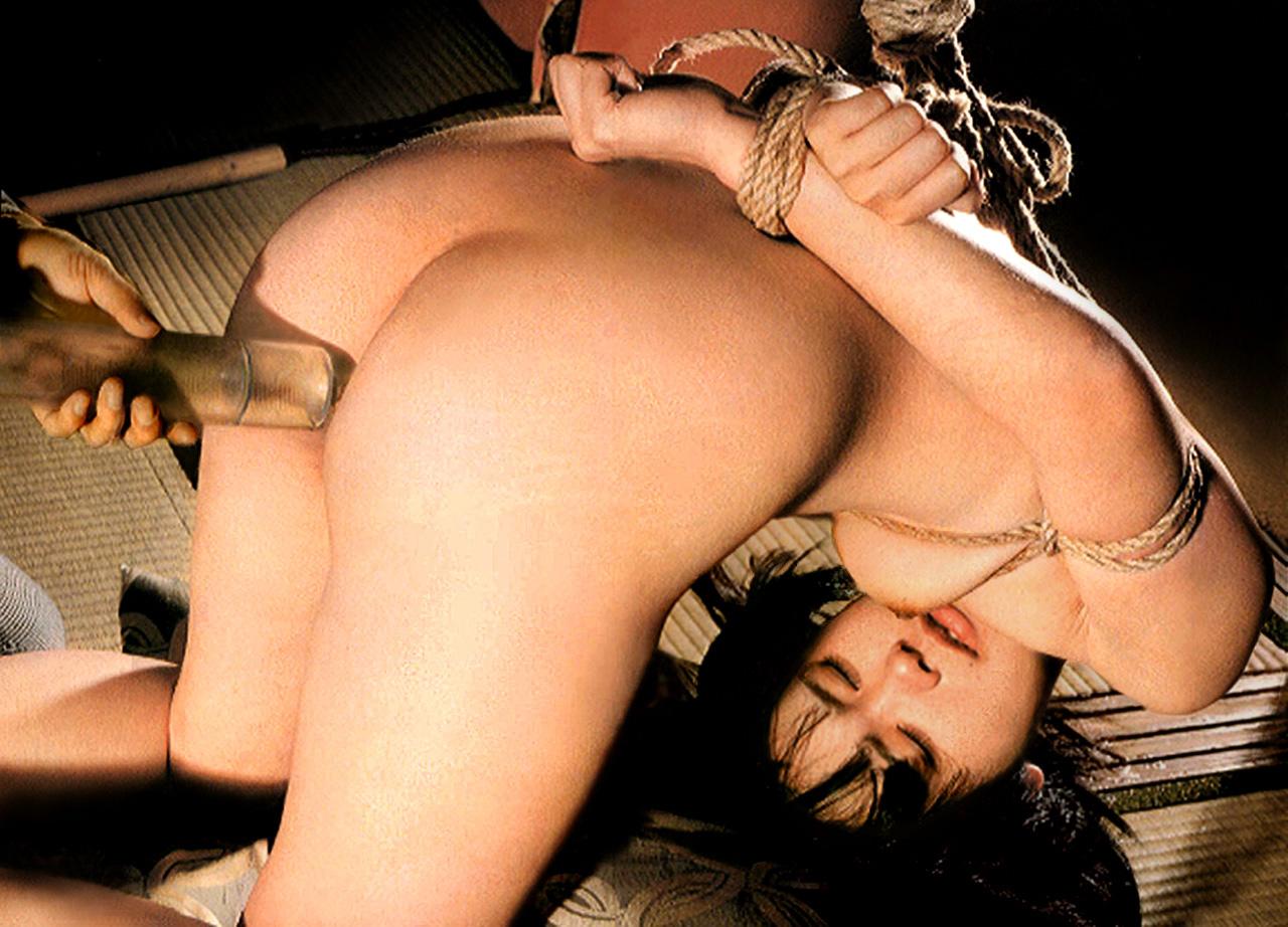 【SMエロ画像】この後待つのは大噴射…恥ずかしく苦しい浣腸される美尻www 21