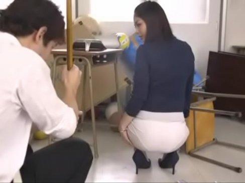 高身長のムチムチ美尻の女教師の誘惑が強すぎる
