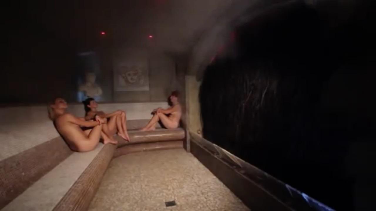 【海外エロ画像】混浴がある!?興奮して退出時間が早まりそうなサウナの裸女www 06