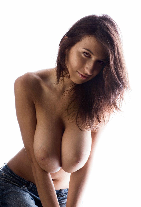 【乳首エロ画像】惜し過ぎる…素晴らしい美巨乳なのに陥没なのが勿体無いwww 17