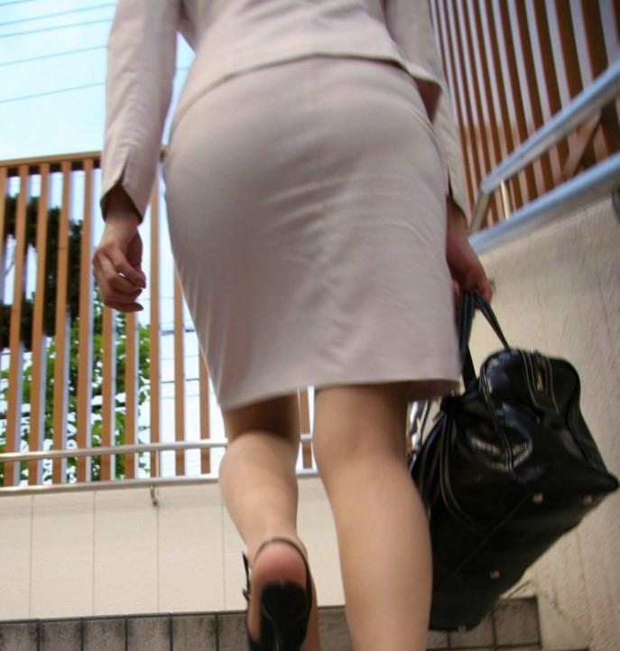 【着尻エロ画像】セクハラとの縁はなかなか切れない働く女性のタイト尻www 05