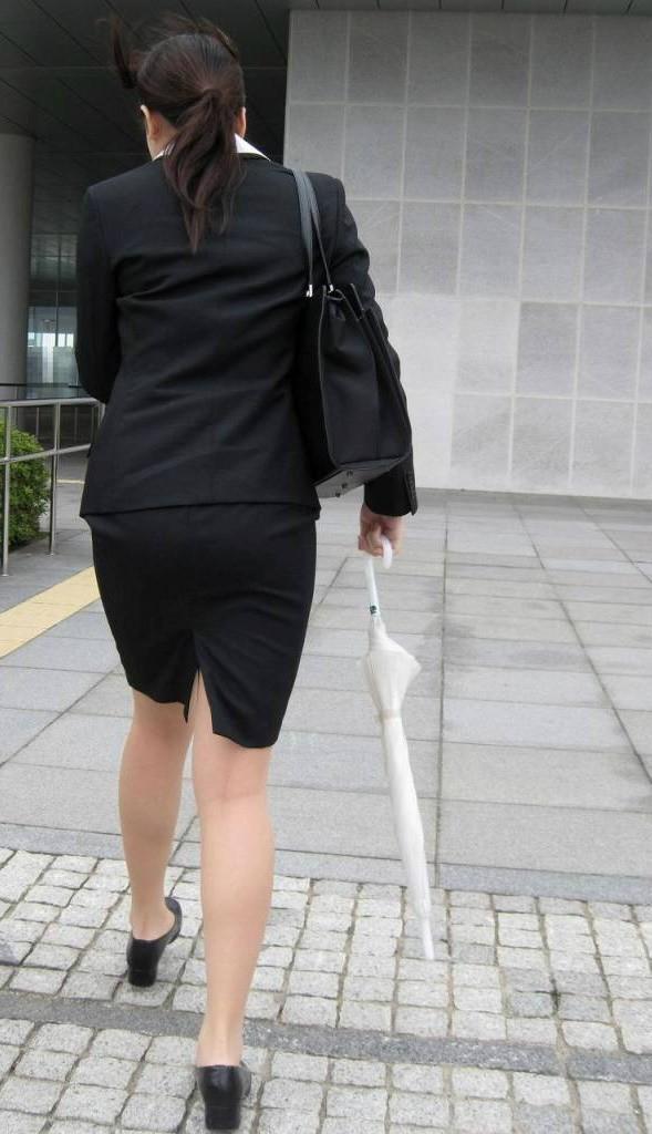 【着尻エロ画像】セクハラとの縁はなかなか切れない働く女性のタイト尻www 11