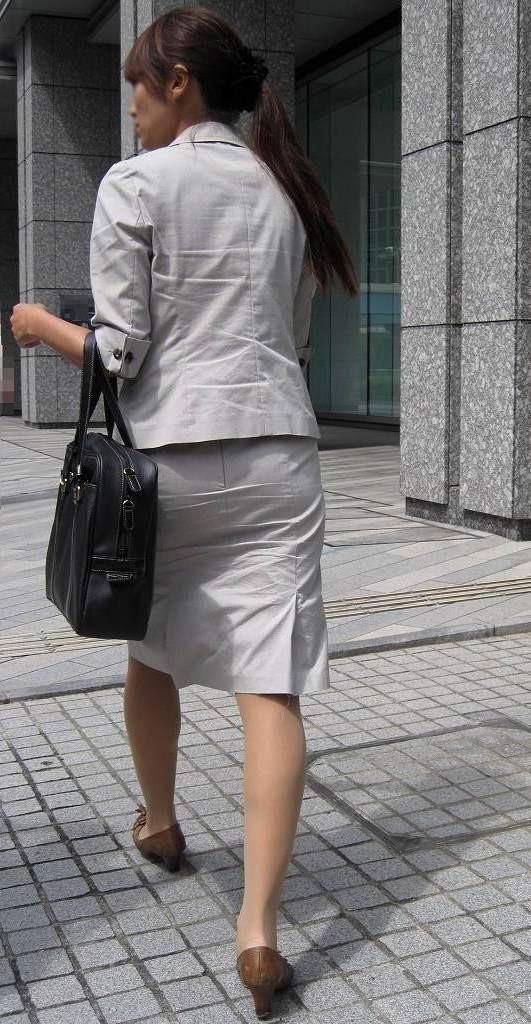 【着尻エロ画像】セクハラとの縁はなかなか切れない働く女性のタイト尻www 13