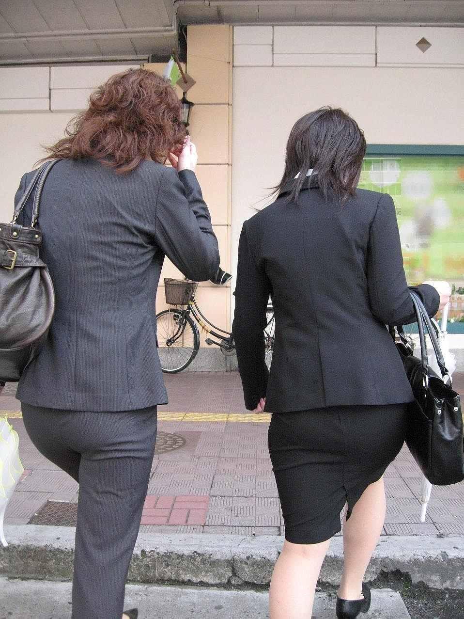【着尻エロ画像】セクハラとの縁はなかなか切れない働く女性のタイト尻www 25