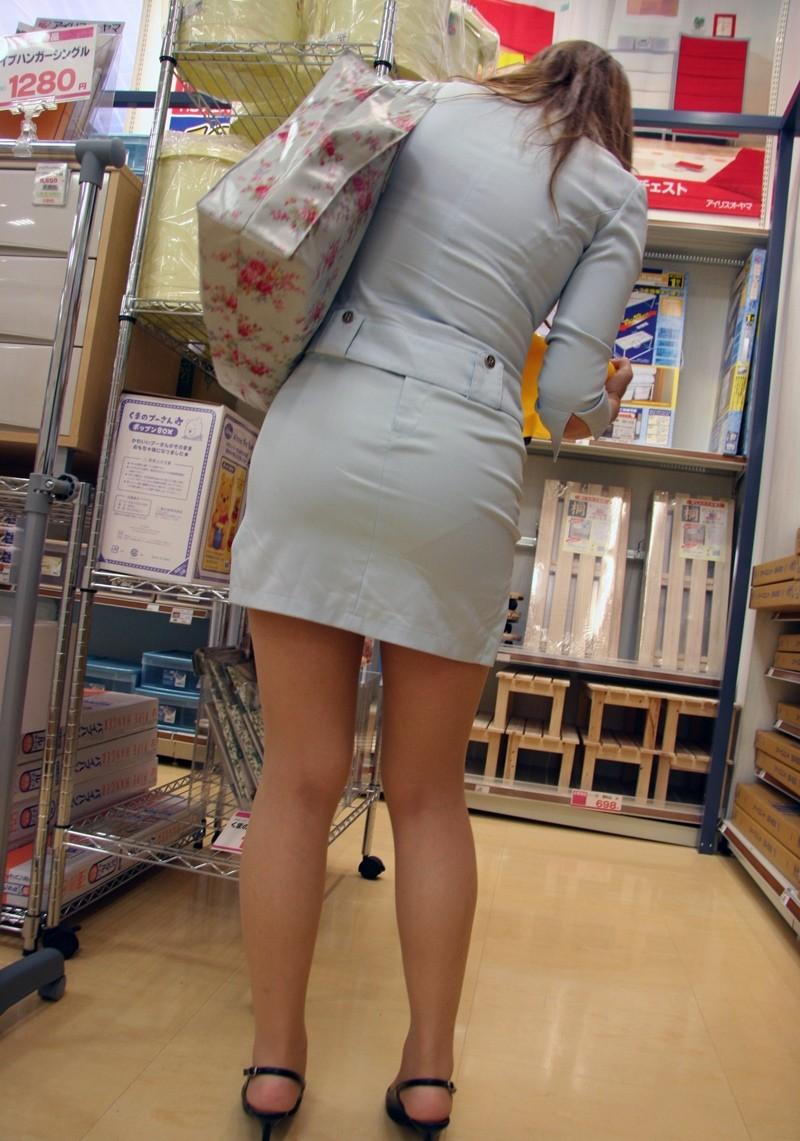 【着尻エロ画像】セクハラとの縁はなかなか切れない働く女性のタイト尻www 27