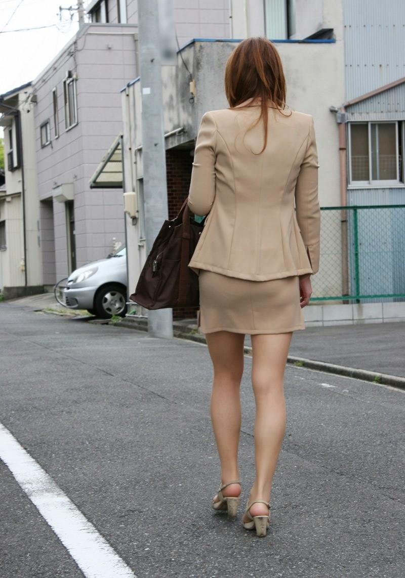 【着尻エロ画像】セクハラとの縁はなかなか切れない働く女性のタイト尻www 28