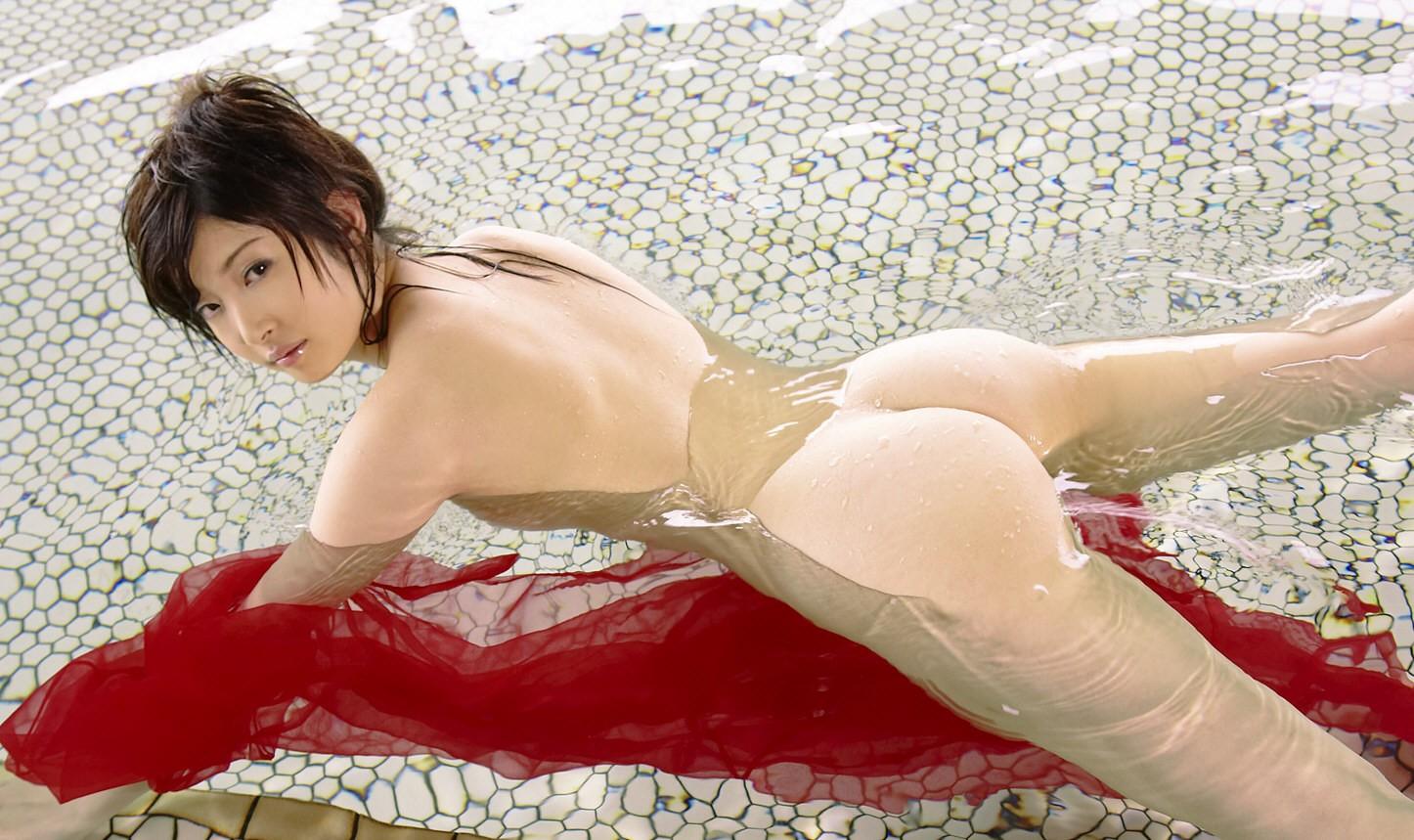 【入浴エロ画像】見たら吸い付きたくなる…お風呂中な女の濡れ尻www 11