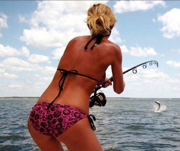 【水着尻エロ画像】ヒット時のムチムチがたまらん海外釣り人のビキニ尻www 20