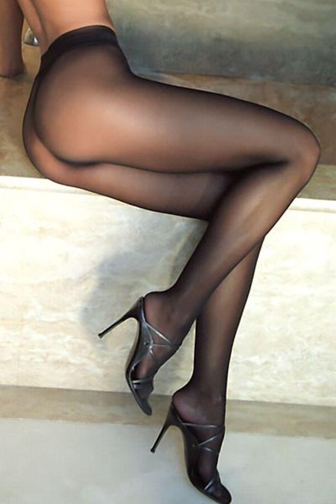 【パンストエロ画像】繋ぎ目が急所を上手く隠しているパンスト美巨尻www 09