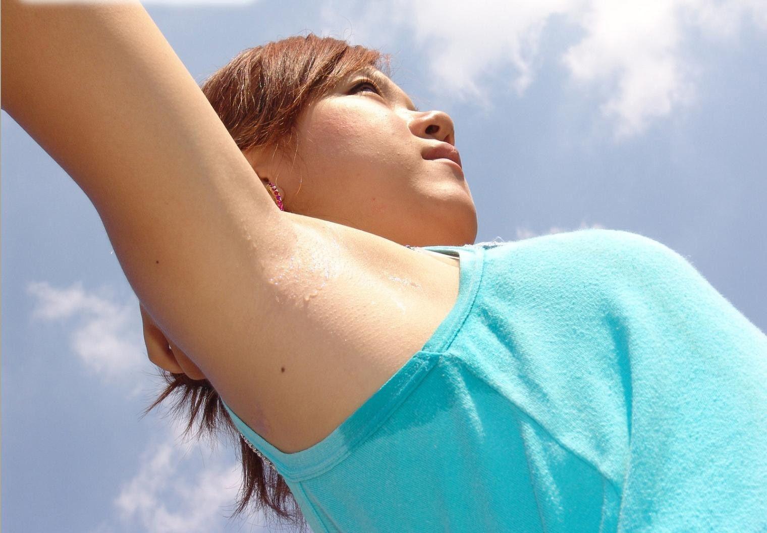 【腋フェチエロ画像】ある意味おっぱいを超える魅力が…綺麗な腋は舐り一択www 05