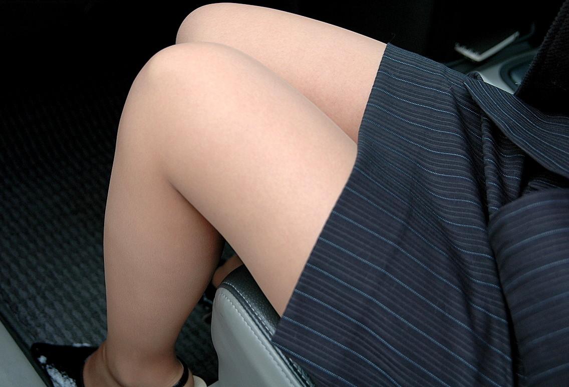【車内エロ画像】何故か乗せると卑猥さ倍増w運転に集中させてくれない車内エロスwww 06