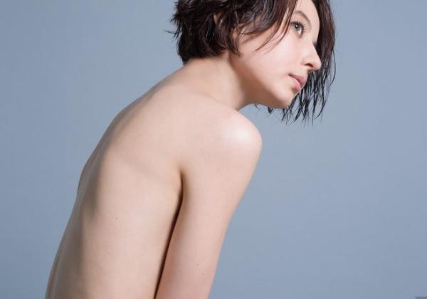 【※悲報※】ベッキー裸一貫ヌードになって再スタートwwww → 全裸から漂う「私可哀想でしょ」感で草wwwwwwww(画像あり)