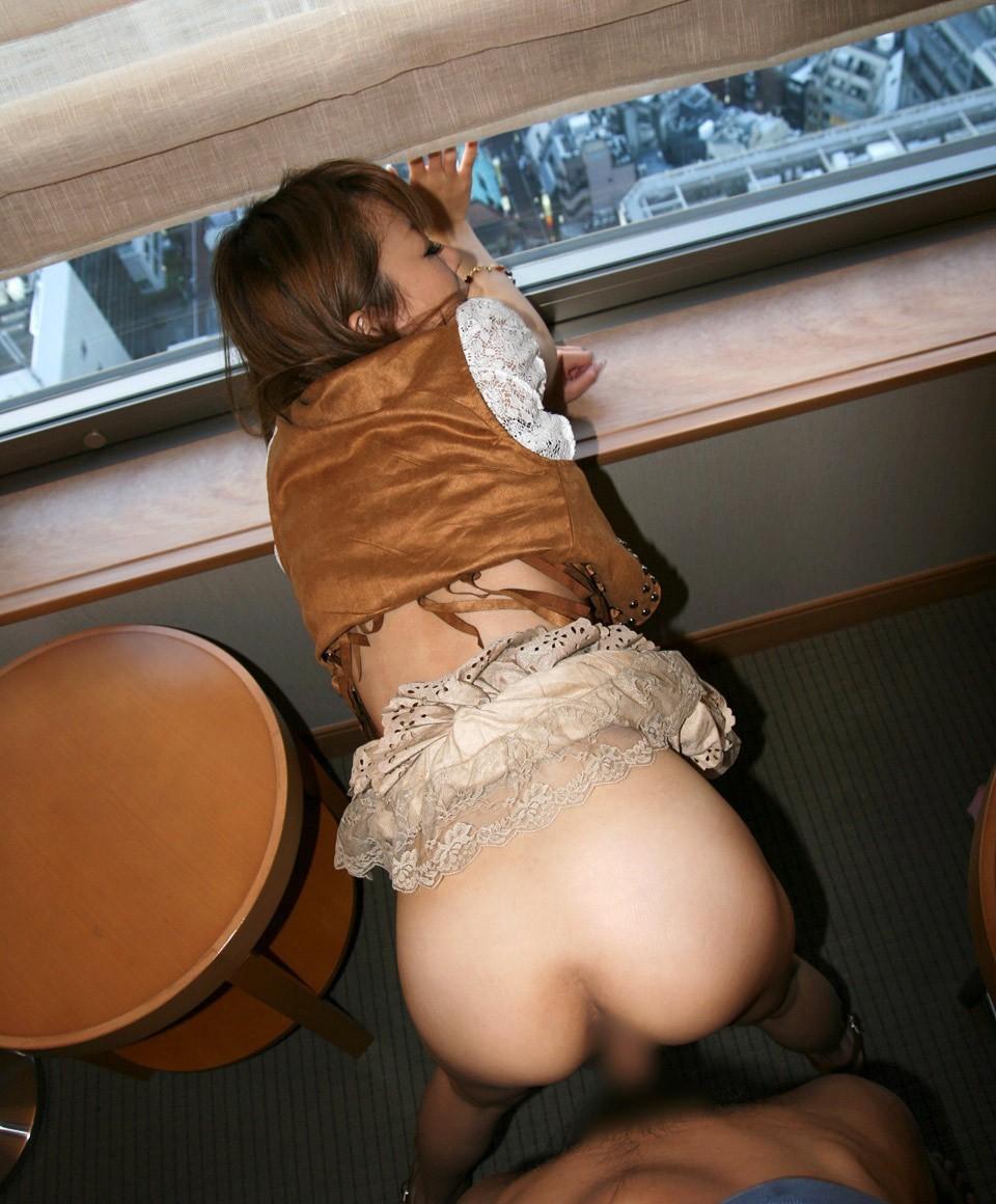 【セックスエロ画像】事後は乱れを整えて復帰…とは楽にはいかない着衣性交www 12