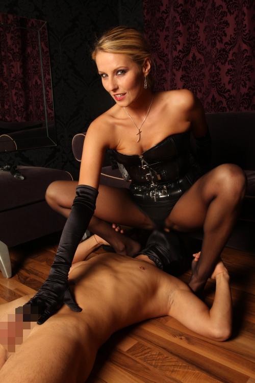 【海外エロ画像】どうみても女が有利wデカ尻が強烈な海外の顔面騎乗www 10