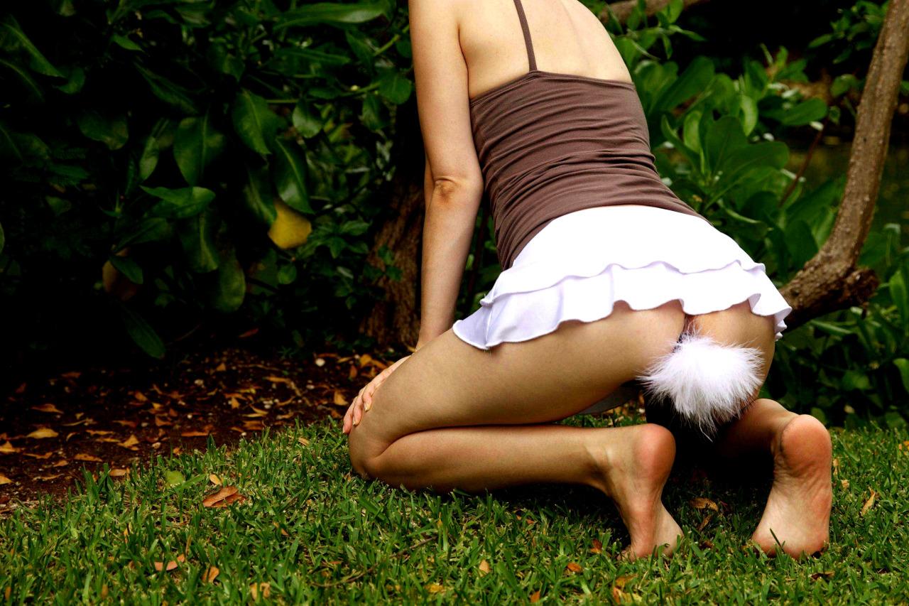 【バニーエロ画像】尻尾の装着方法がアウトwアナル挿して兎になり切ったバニーさんwww 14