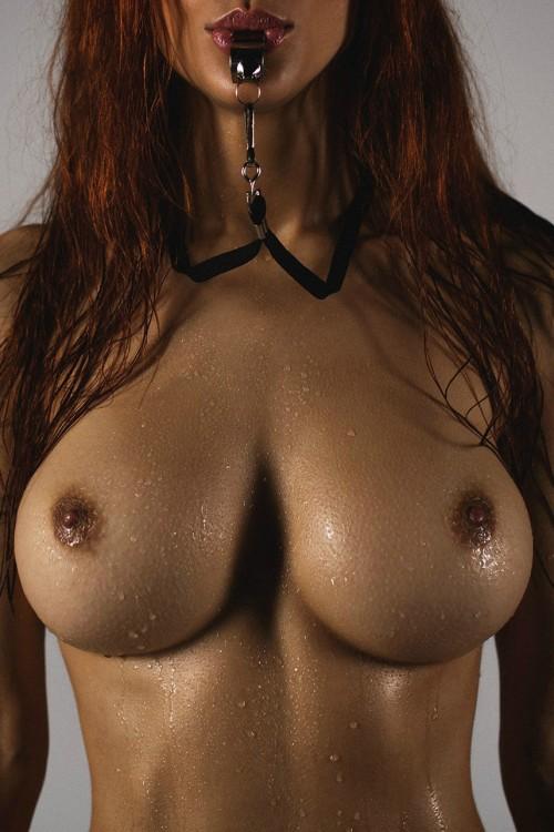 【ウェットエロ画像】水があるだけで違う!濡れて卑猥さを増した女の肉体www 15