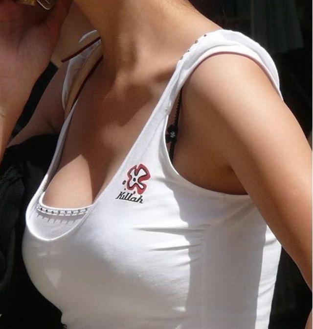 【巨乳エロ画像】性別関係なく視線が突き刺さる…一般人の着衣おっぱいwww 07