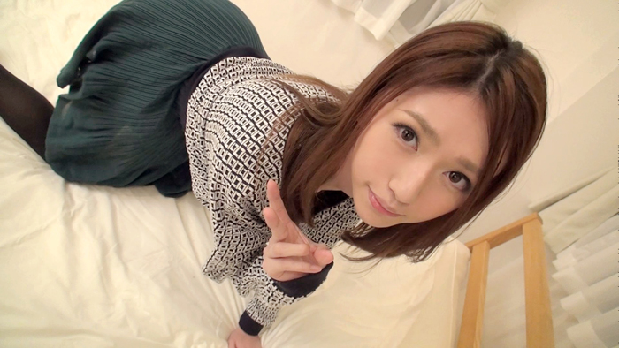【素人エロ画像】超美肌の美少女!美容部員の腰使いはヤバかったww  01