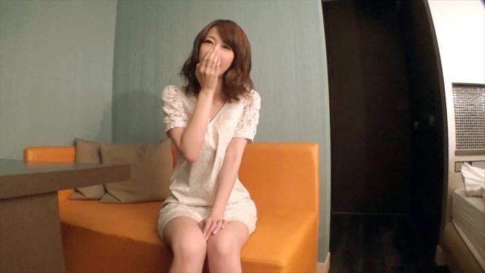 【素人エロ画像】22歳パイパンJDの初オナニーは小○生!感度最高のエロ娘w 01